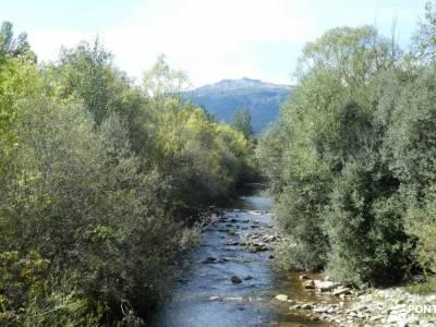 Vuelta al Senderismo-Valle Lozoya; rutas de montaña madrid vacaciones culturales embalse de pinilla